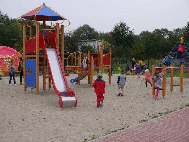 Kępa Zawadowska -  nowy plac zabaw